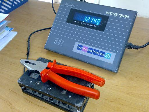 Lưu ý số hiển thị trên đầu cân khi đặt tải lên loadcell